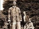 Chang Woo Gow - Tento čínský obr se narodil v polovině 19. Století. Měřil 245...