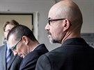 Motorkář Mario Aigner stanul před pardubickým soudem, jako svědky si přizval...