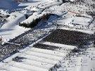 Momentka ze startu závodu dálkových běžců na lyžích - Engadin skimarathonu ve