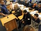 Hlavní aktéři metanolové kauzy u zlínského soudu. Na lavici obžalovaných je...