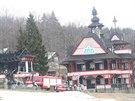 Architekl Dušan Jurkovič navrhl pro Pustevny celý soubor dřevěných staveb.