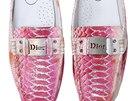 """Plagi�t - boty """"Dior"""", vyrobeno v ��n�, Berl�n - Tegel Airport � Werkbundarchiv"""
