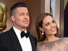 Angelina Jolie a Brad Pitt na červeném koberci opět potvrdili své role krále a...