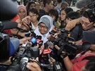 Novináři se na letišti v malajsijském Kuala Lumpur sesypali na ženu, jejíž...