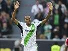 TO KOUKÁTE, CO? Naldo z Wolfsburgu slaví gól, který dal Bayernu Mnichov.