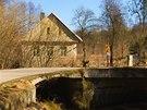 Pod mostem v obci Roudná protékají Novohradka a Jarošovský potok.