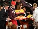 Edgar Martirosyan doručil na Oscary pizzu. Brad Pitt rozdával talíře (2. března...
