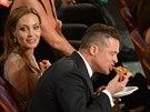 Angelina Jolie a Brad Pitt na Oscarech (2. března 2014)