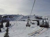 HEMŽENÍ NAD FLACHAU. Lyžařské oblasti mezi Flachau a Alpendorfem se přezdívá...