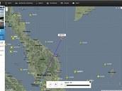 Záznam trasy letu MH370 společnosti Malaysia Airlines. Dvě hodiny poté, co...