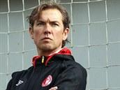 Nov� tren�r fotbalov� Slavie Alex Pastoor tr�noval  poprv� sv� sv��ence.