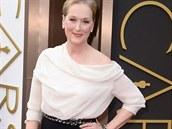 Herečka Meryl Streepová v černo-bílé hedvábné toaletě