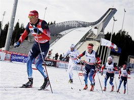 Ruský běžec na lyžích Alexander Legkov během závodu SP na 50 kilometrů v Oslu