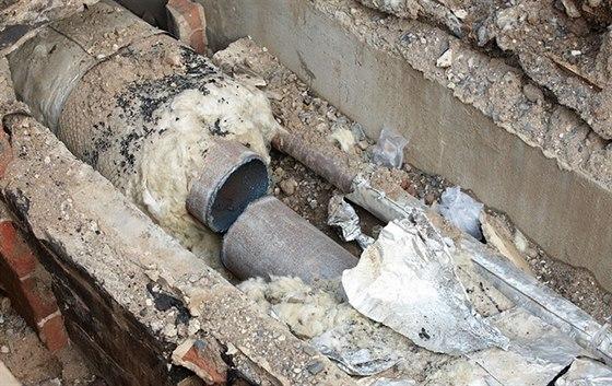 7,5 km nového potrubí povede bezpečné teplo nejméně dalších 30 let