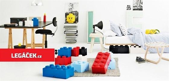 Lego p��b�h pokra�uje s Leg��kem. Objevte stavebnice, oble�en� a kl��enky lego.