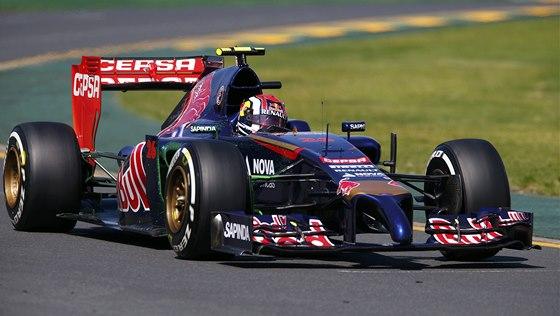 NA TRATI. Ruský závodník Daniil Kvjat z týmu Toro Rosso při tréninku před