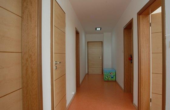 Vstupní dveře mohou mít uvnitř bytu stejnou úpravu jako interiérové.