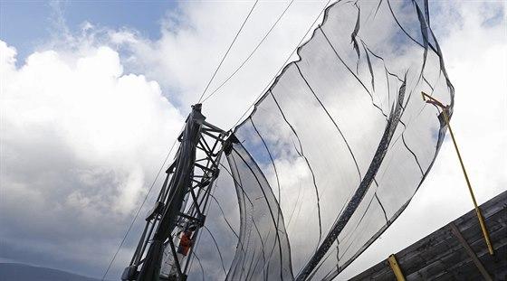 Ani větrné bariéry u mamutího můstku nepomohly a sobotní závody MS v letech v...