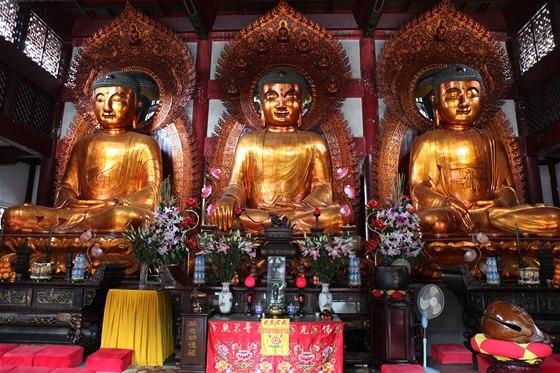 V tradiční čínské společnosti ovlivněné buddhismem vládne skromnost, Číňané