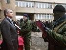 Přísaha krymské proruské domobrany v Simferopolu (12. března 2014)