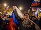 Předběžné výsledky referenda vítaly v Simferopolu tisíce lidí (16. března 2014)
