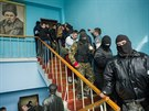 Hlavní štáb ukrajinského námořnictva v Sevastopolu obsadili Rusové (19. března...