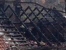 Při požáru rodinného domu v pražských Kobylisích zahynula starší žena...