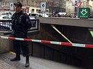 Kv�li mo�n� v�bu�nin� v pobo�ce banky policie uzav�ela ��st V�clavsk�ho...