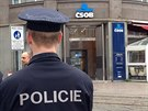 Kvůli možné výbušnině v pobočce banky policie uzavřela část Václavského...