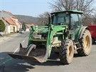 Nehoda traktoru a cyklisty v Radějově na Hodonínsku.