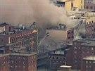 Záběr na poškozenou budovu v New Yorku (12. března 2014)