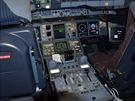 V pilotní kabině Airbusu A380 Korean Airlines registrace HL7614 na ruzyňském...
