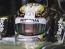 Lewis Hamilton (Mercedes) před kvalifikací Velké ceny Austrálie F1.