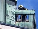 Ze střechy brněnského hotelu Grandezza na Zelném trhu začal ve čtvrtek krátce...