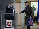 Obyvatelé Krymu rozhodují v referendu o budoucnosti poloostrova (16. března