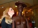 Ornella Štiková s čokoládovou ženou