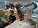 V redakci jsme otestovali robota UR10 dánské společnosti Universal Robots.