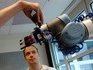 Na šestiosové rameno robota jsme umístili kamerku GoPro.