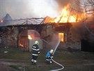 U velkého požáru stodoly s přístavkem zasahovalo v Šumvaldu na Olomoucku...