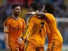 EUFORIE DIRIGOVANÁ CRISTIANEM. Hráči Realu Madrid (zleva) Xabi Alonso,...