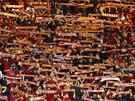 NÁVŠTĚVA Z TURECKA. Fanoušci Galatasaraye Istanbul na stadionu Chelsea.