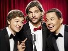 Angus T. Jones, Ashton Kutcher a Jon Cryer v seriálu Dva a půl chlapa (2011)