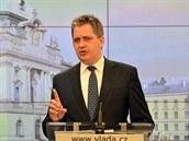 Ministr pro lidská práva a šéf legislativní rady vlády Jiří Dienstbier