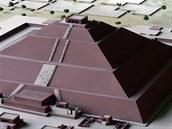 Pokus o rekonstrukci podoby Pyramidy Slunce a jejího architektonického kontextu...