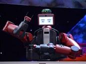 Robot Baxter od americké firmy RethinkRobotics na TED2013 naživo předvedl, jak...