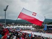Mistrovství světa v letech na lyžích v Harrachově komplikuje nepříznivé počasí.