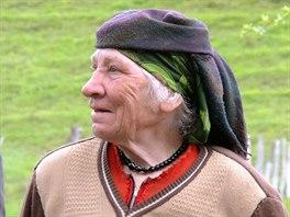 Sedmdesátiletá Tamar ve vesnici Gebi