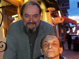 Petr Mot�l (naho�e) s Romanem Pechou, podle jeho� pro�itk� napsal svou zat�m...