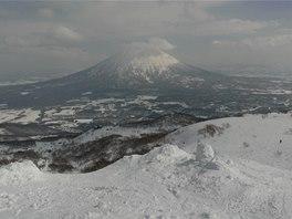 I když se na chvíli rozjasnilo, sopka Yotei zůstávla stále aspoň mírně zahalená.