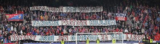 Plzeňští fanoušci vyslali během osmifinálové odvety Evropské ligy vzkaz:...
